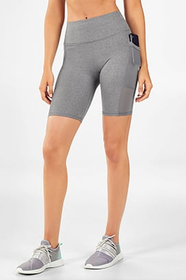 competitive price f1525 fdd71 Model wearing Fabletics