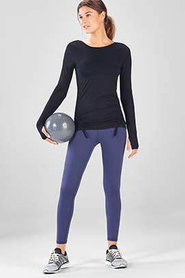 Model wearing Fabletics c4fbbbe6d
