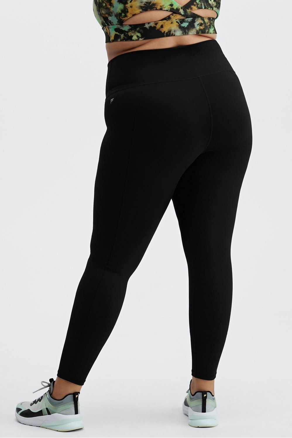 High-Waisted Solid PowerHold® 7/8 - black