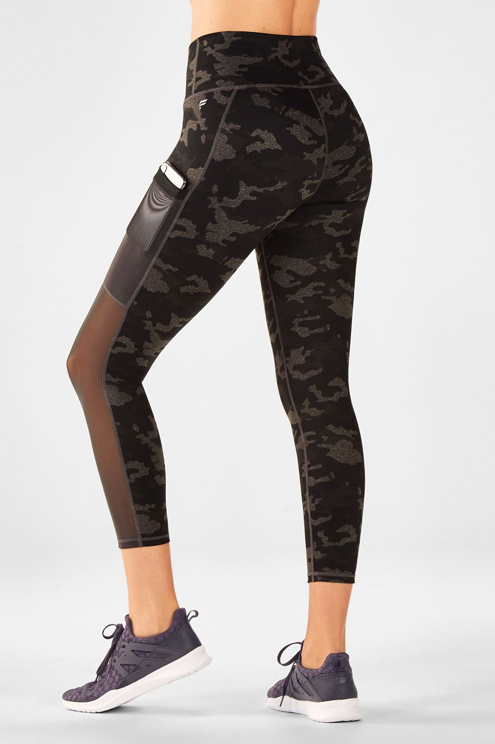 202457c682137 Mila Pocket Capri - Charcoal Camo