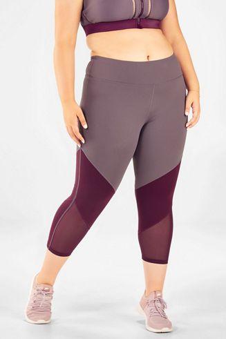 3ee21b6fdb6cd Vêtements Sport Grandes Tailles | Brassières, Hauts & Leggings | Achetez en  ligne | -50% réduction VIP | Fabletics France