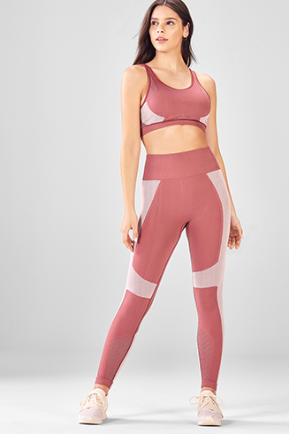1933997b98d0f Demi Lovato Workout Clothes   Activewear