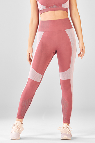 1fb313f097f15 Demi Lovato Workout Clothes   Activewear