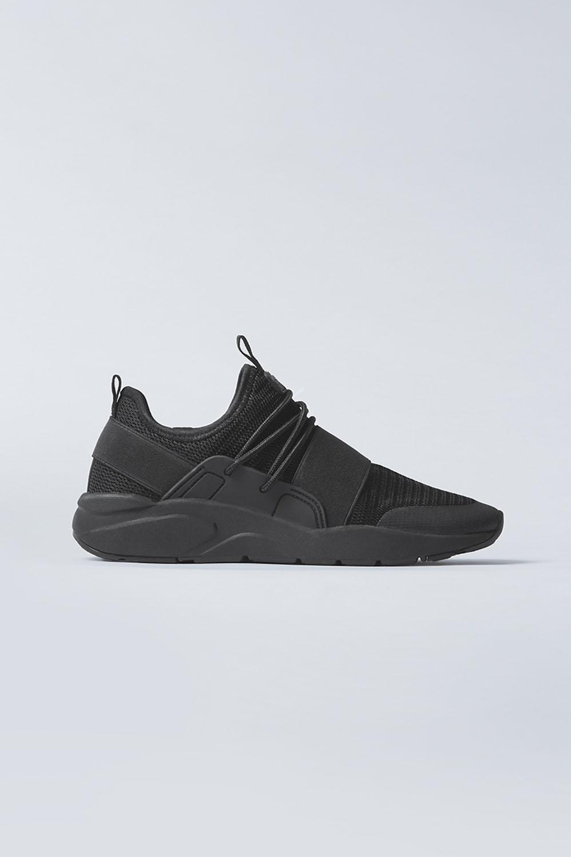 Fabletics Fashion Zuma Studio Sneaker Womens Black/Black Size 10